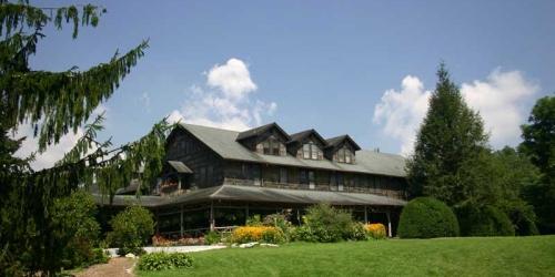 High Hampton Inn & Country Club